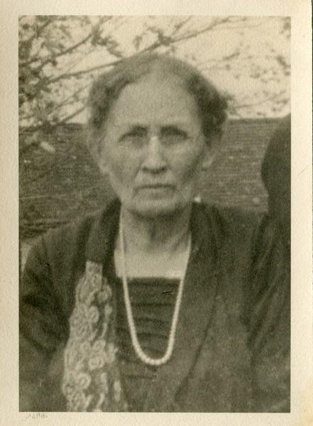 Clara Waugh Ruth VanDeventers sister