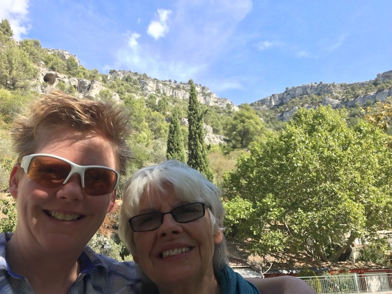 mom and suz in France