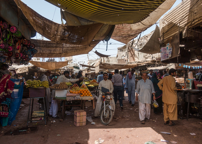 The main bazaar in downtown Thatta.