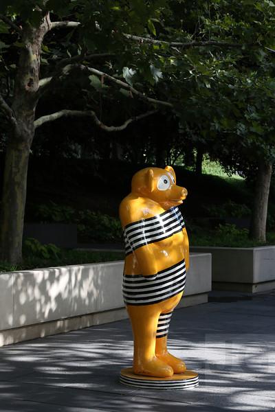 Jun Kaneko's Bear<br /> Chicago, Illinois - 09.17.13<br /> Credit: Jonathan Grassi