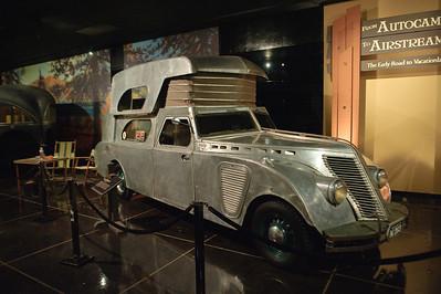 08_09_20 petersen car museum 0330