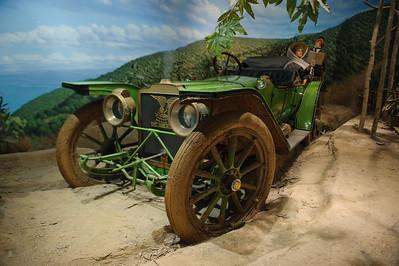 08_09_20 petersen car museum 0023