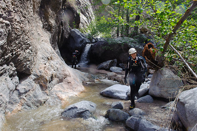 10_04_10 canyoneering Eaton Canyon 0255