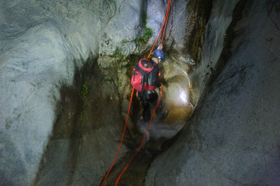 12_03_28 Canyoneering LSA at night 0124