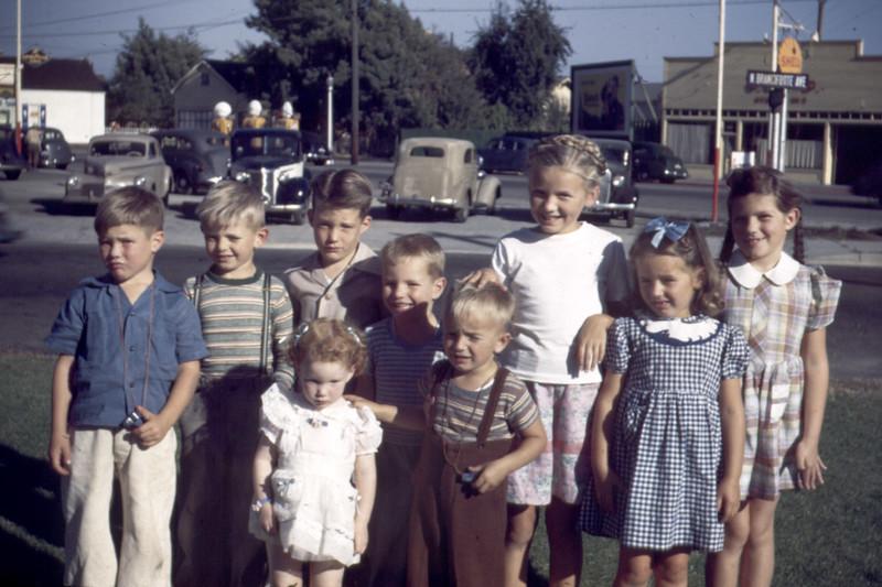 Neighborhood Kids in Santa Cruz. Tall Girl is Sharon. Boy on left was Sweet on Lani (2nd from Right).