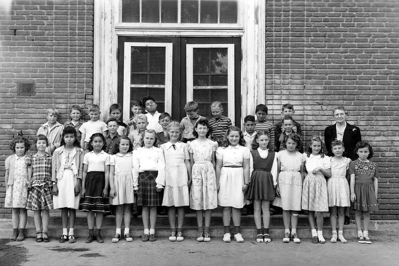 Lani's 4th Grade Class (She is 5th from the Left in the Front Row) (Susanville)