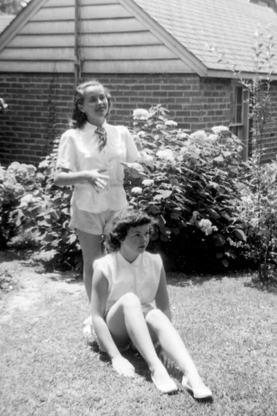 Francie Smith Came to Visit (See Pic from Lani's 6th Birthday!) Grandma Boyd's Backyard (1954)