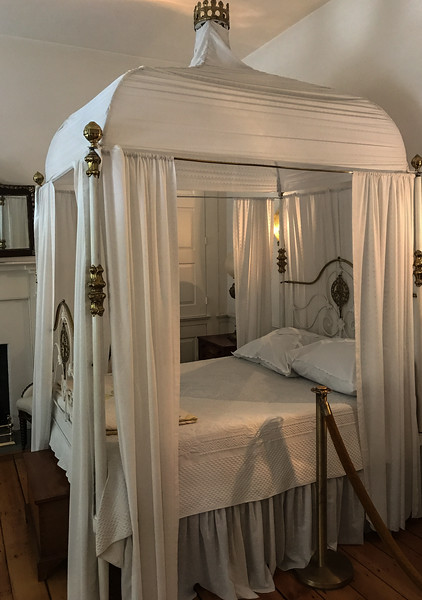 Mary Todd Lincoln's Bed
