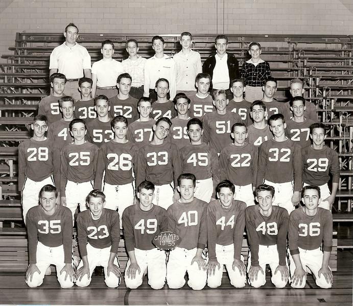 070 1955-10 Williamsburg Football Team