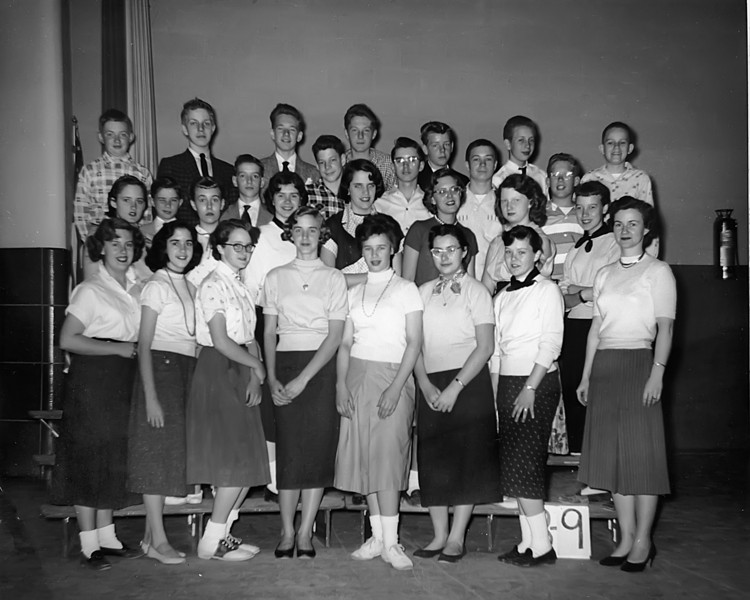 030 1955 Stratford 8-9