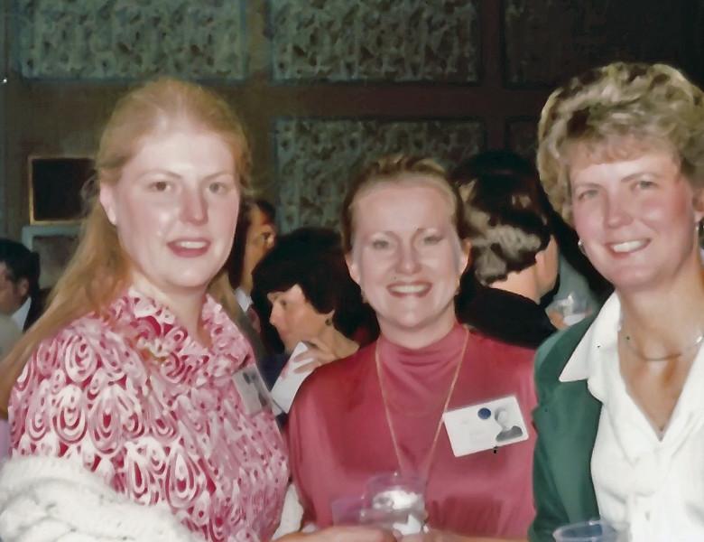 216 1979 20th Reunion Pris Ord, Bonnie Peterson, Joyce Murphey