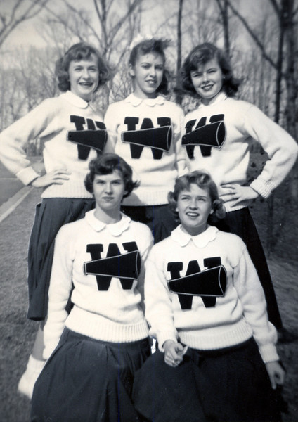 069 1955 Williamsburg Cheerleaders
