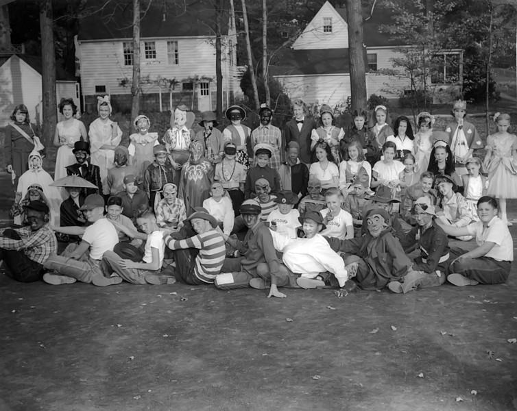 013 1952 Woodlawn El Haloween