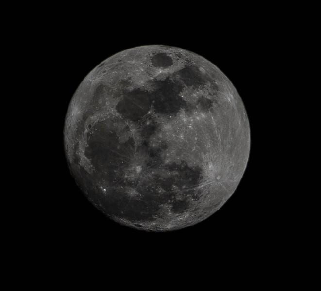 The Nearly Full Moon from Kauai