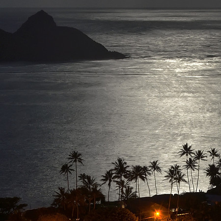 Couple Viewing the Moon from Lanikai V4