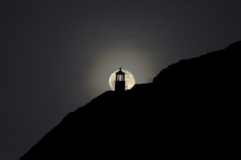 Full Moon and the Makapuu Lighhouse