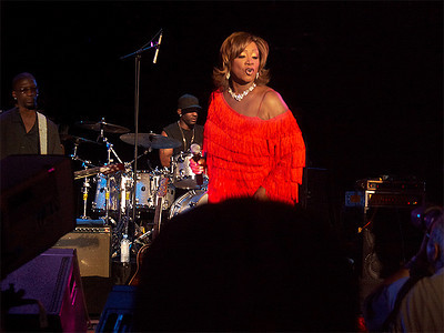 Patti LaBelle elegant and graceful