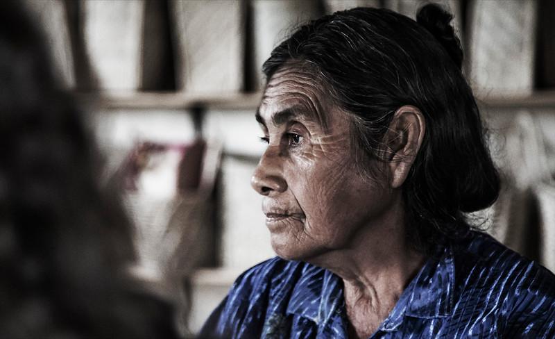 Artesana qom / Qom craftwoman - Fortín Lavalle