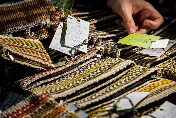 Aquí algunas artesanías logradas en base a su producción. Productos artesanales. /// Here some crafts from their production. Craft products.