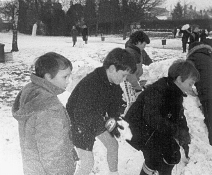 <font size=3><u> - Snowball Fight - 1970s - </u></font> (BS0132)  School activity for fun.