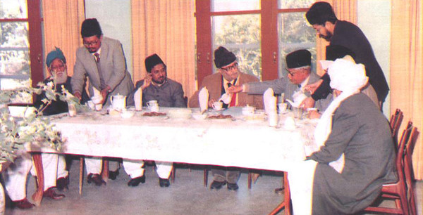 Dr Abdus Salam with Mirza Mansoor Ahmad
