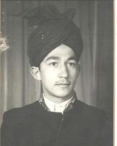 A portrait picture of Hadhrat Mirza Tahir Ahmad, Khalifatul Messiah IV (ra) before Khilafat