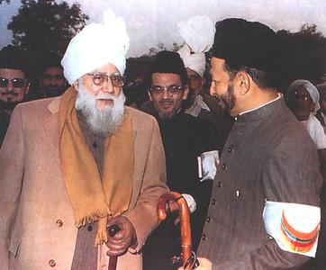 Hazrat Mirza Nasir Ahmad, Khalifatul Masih III with Hazrat Mirza Tahir Ahmad