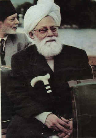 At the back seat with Hazrat Khalifatul Masih II