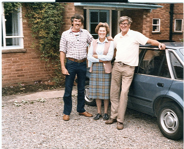 1984 Ian, Mum & Dad at their new home after retiring at 60