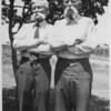1940-08-13 garrett family (skillern's dallas photo info on back)3