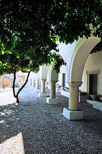 In the courtyard of the Ekatontapyliani (Church of a Hundred Doors), Paroikia.
