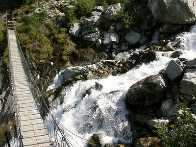 Footbridge over the runoff from the glacier.