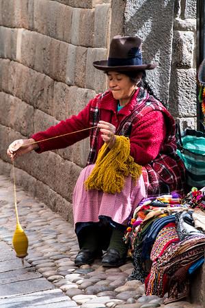 peru, cusco, inka people, yarn spinning