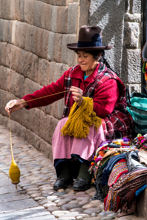 peru, cusco, inka people, yarn spinning