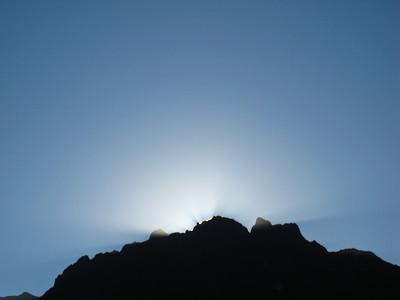 Мачу-Пикчу. Восход 22 июня 2010. 2 день солнцестояния/Machu Picchu. Sunrise June 22, 2010. Day 2 solstice
