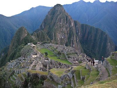 Мачу-Пикчу. Священный город в ожидании Солнца/Machu Picchu. The holy city in anticipation of the Sun