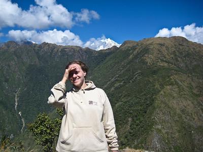 Автор фото на вершине Мачу Пикчу. Вдали священная, снежная Салкантай/Author photo on top of Machu Picchu. Away the sacred, snowy Salkantay