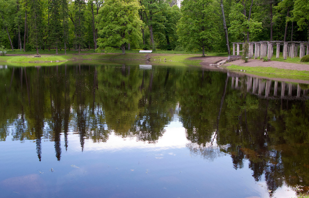 The upper park/ Karlin pond. Ruins