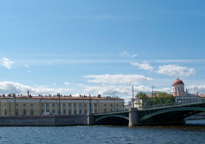 Exchange Bridge, Pushkin House