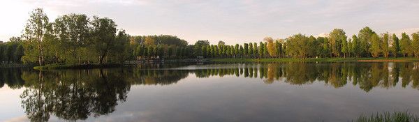 Pond in the Victory Park, sunset (panorama)