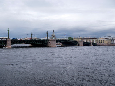 Neva before storm. Palace bridge.