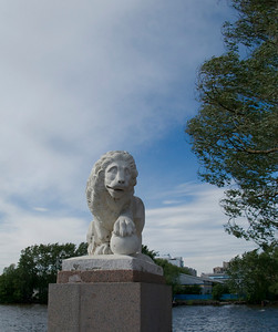 Elagin Island, Lion on wharf.