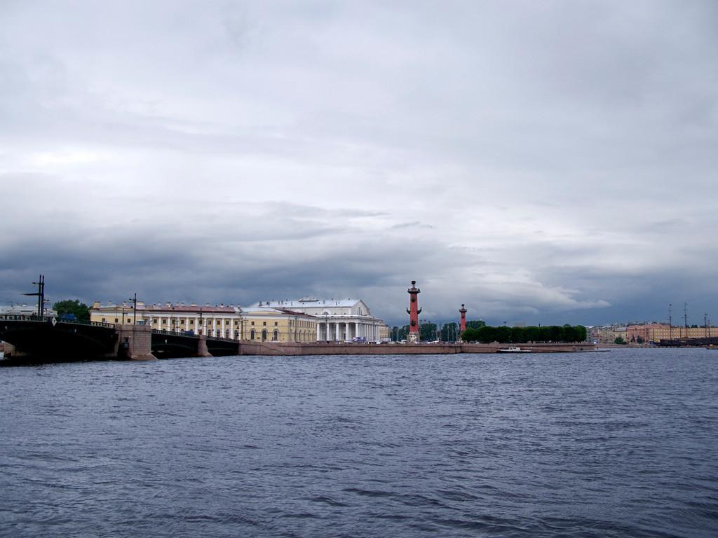 Neva before storm. Palace bridge.