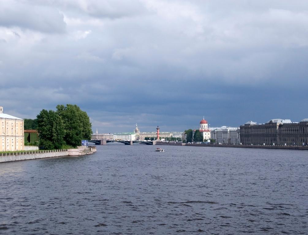 View to Neva  from Tuchkov bridge