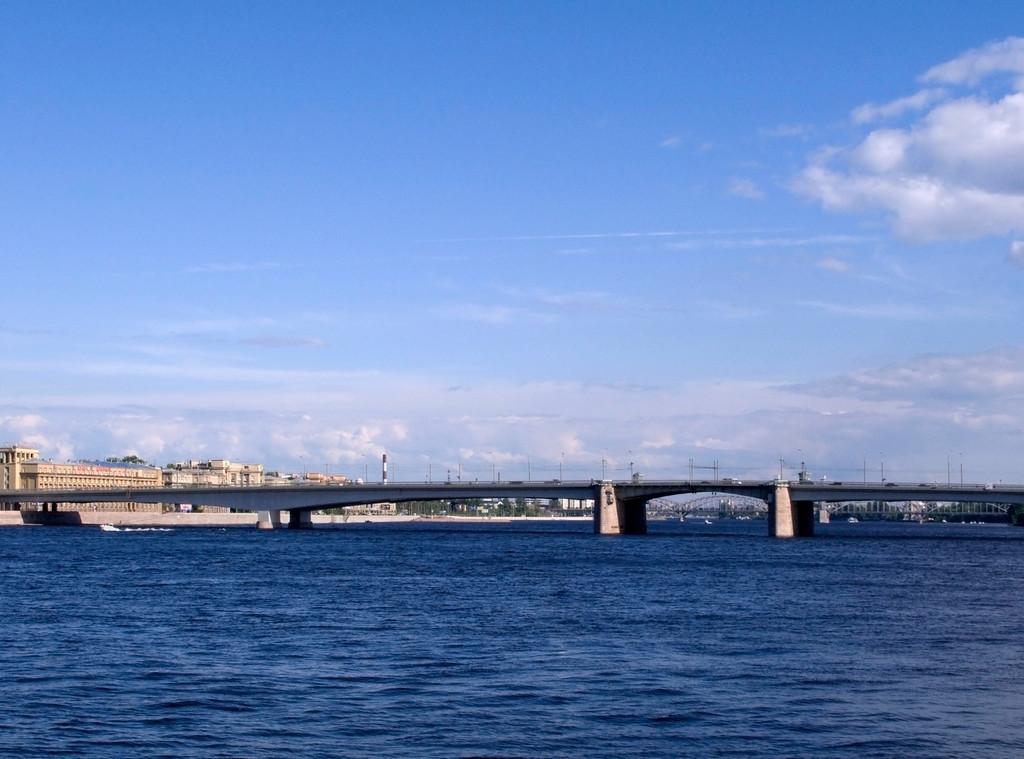 Alexander Nevskii bridge