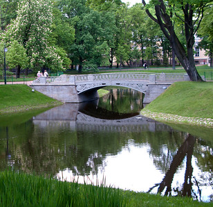 Mihailovsky Park. Bridge.
