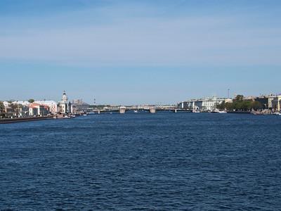 Neva. Palace bridge. On the left - University quay, on the right - English quay.