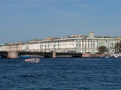 Palace bridge. The Hermitage Museum.
