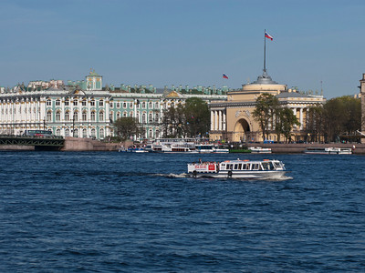Palace bridge. The Hermitage Museum. Admiralty.