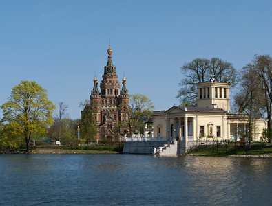 Colonist Park. Olgin pond. Tsarinin  pavilion. Peter and Pavel Cathedral.